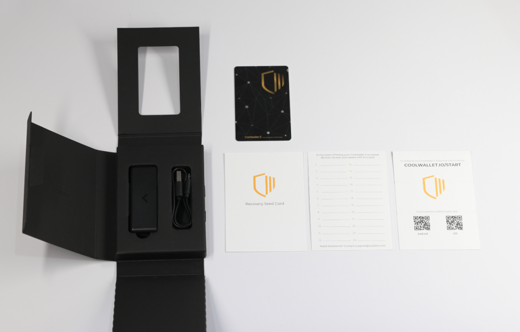 CoolWallet S packaging and accessories